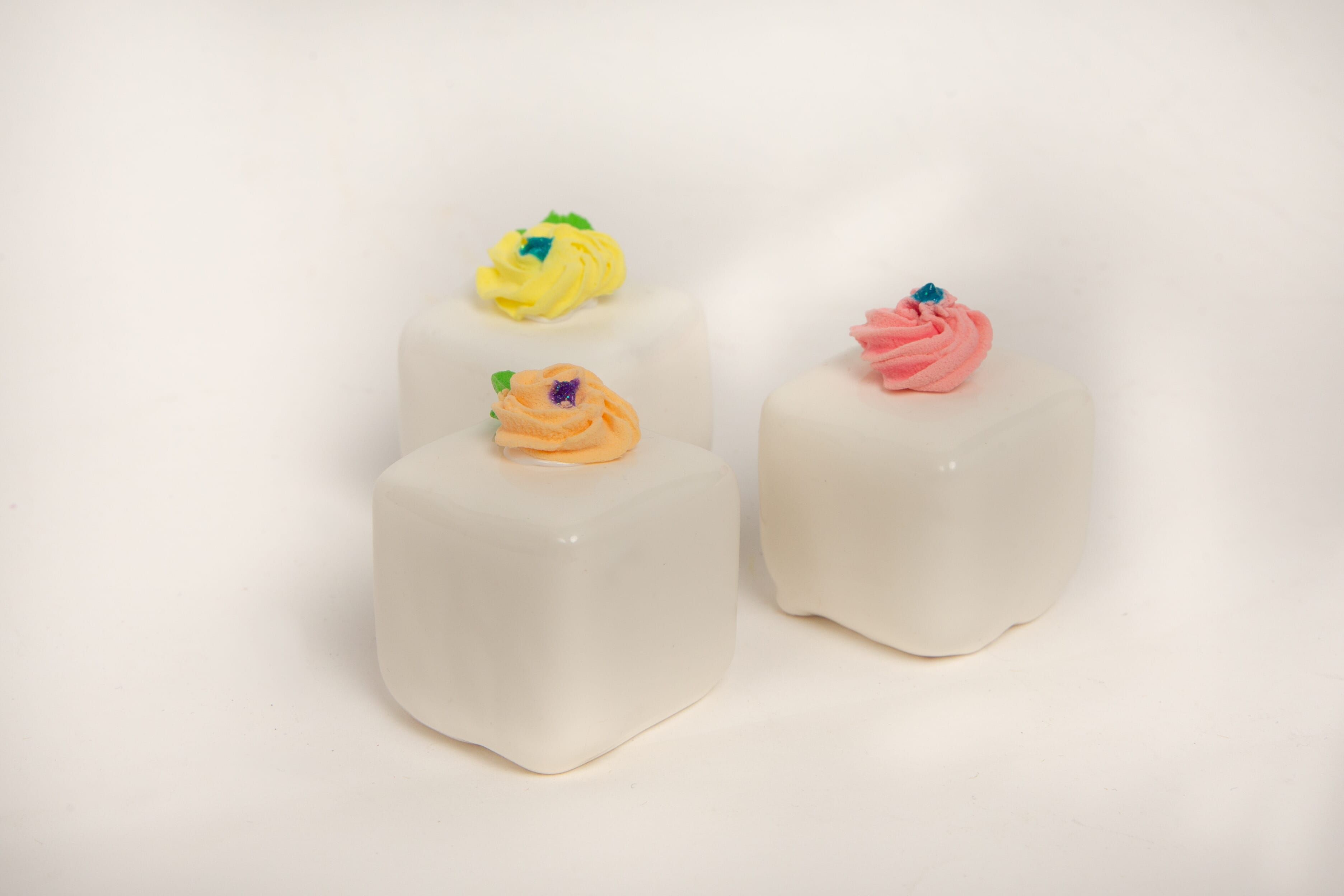 Fake Small Vanilla Petit Fours (Set of 3)